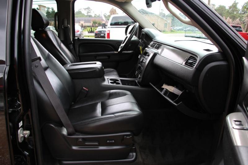 CHEVROLET SUBURBAN 2011 price $12,499