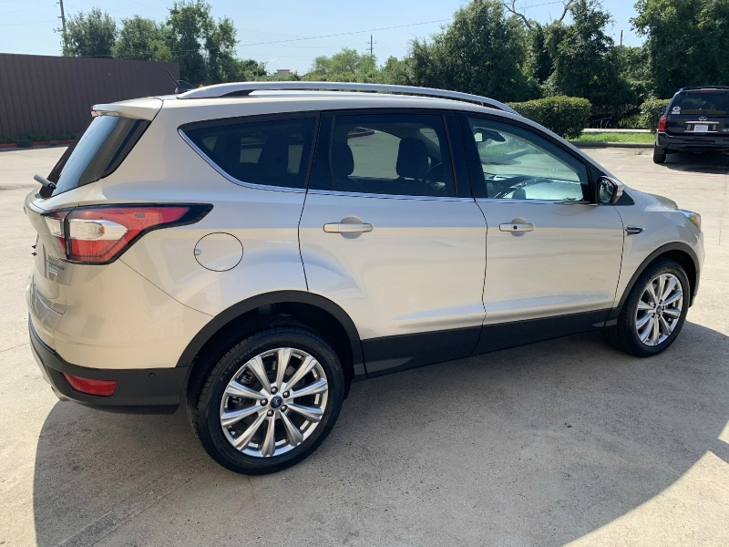 Ford Escape 2018 price $20,450