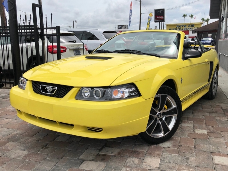 FORD MUSTANG 2001 price $5,990