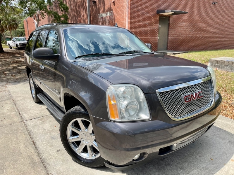 GMC YUKON 2011 price $16,990