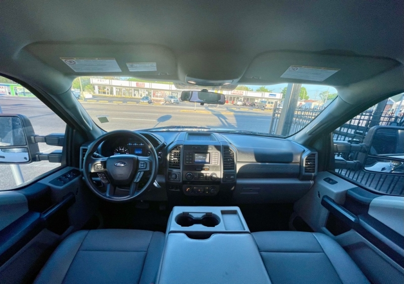 FORD F250 2018 price $40,990