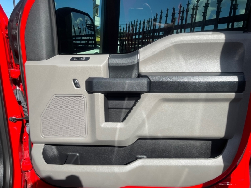 FORD F150 2019 price $42,990