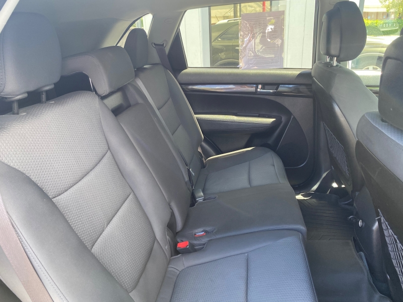 KIA SORENTO 2012 price $8,950