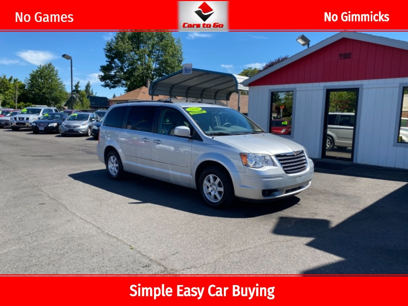 CHRYSLER TOWN & COUNTRY 2010 price $9,995