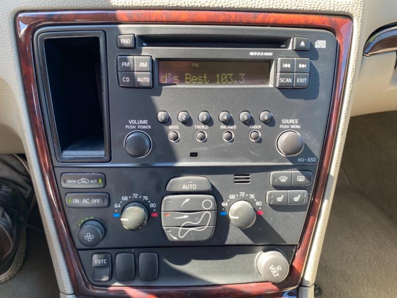 VOLVO XC70 2005 price $6,995