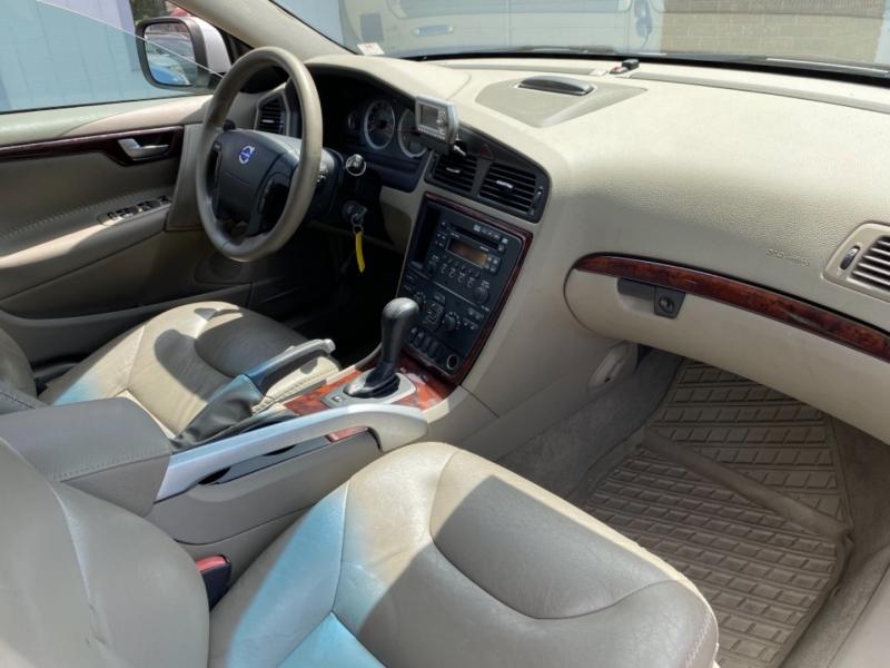 VOLVO XC70 2007 price $10,995