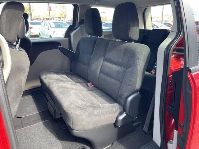 Dodge Grand Caravan 2015 price $2,400 Down