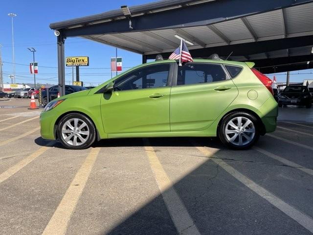 Hyundai Accent 2013 price $1,400 Down
