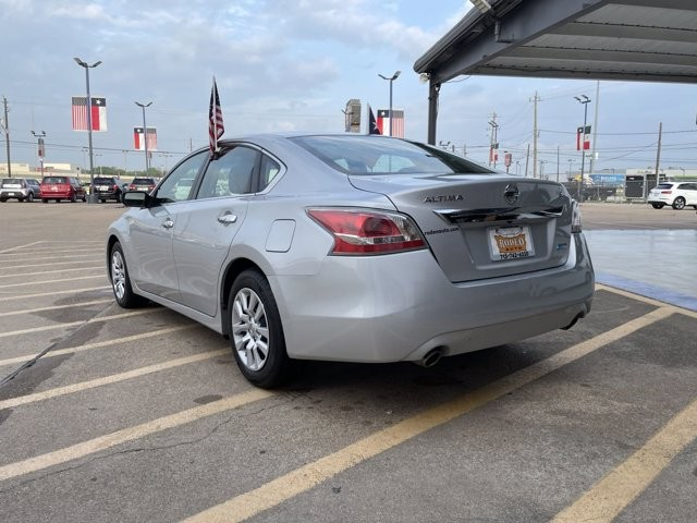 Nissan Altima 2014 price $1,600 Down