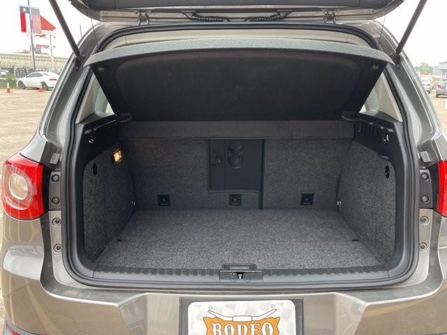 Volkswagen Tiguan 2011 price $1,600 Down