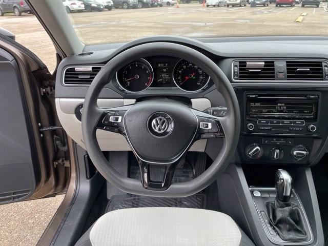 Volkswagen Jetta Sedan 2015 price $1,700 Down