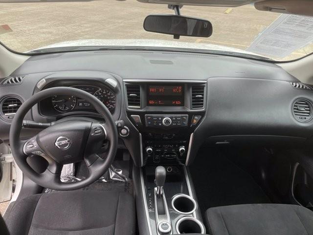 Nissan Pathfinder 2014 price $2,200 Down