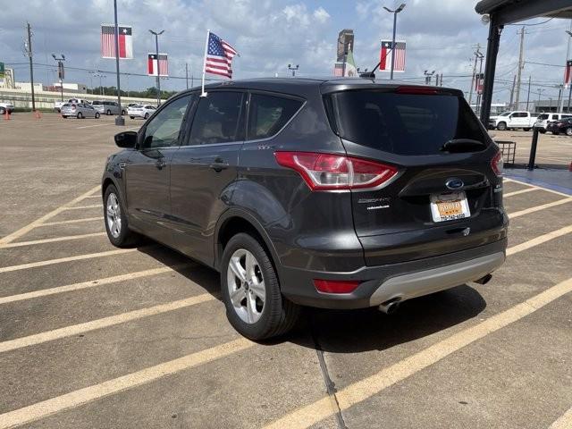 Ford Escape 2016 price $2,000 Down