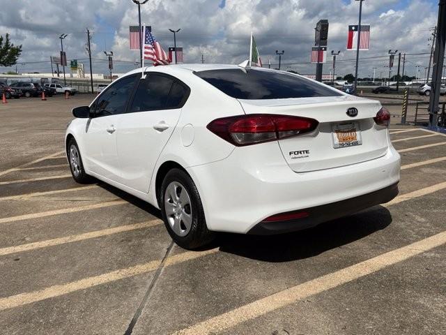 Kia Forte 2017 price $1,800