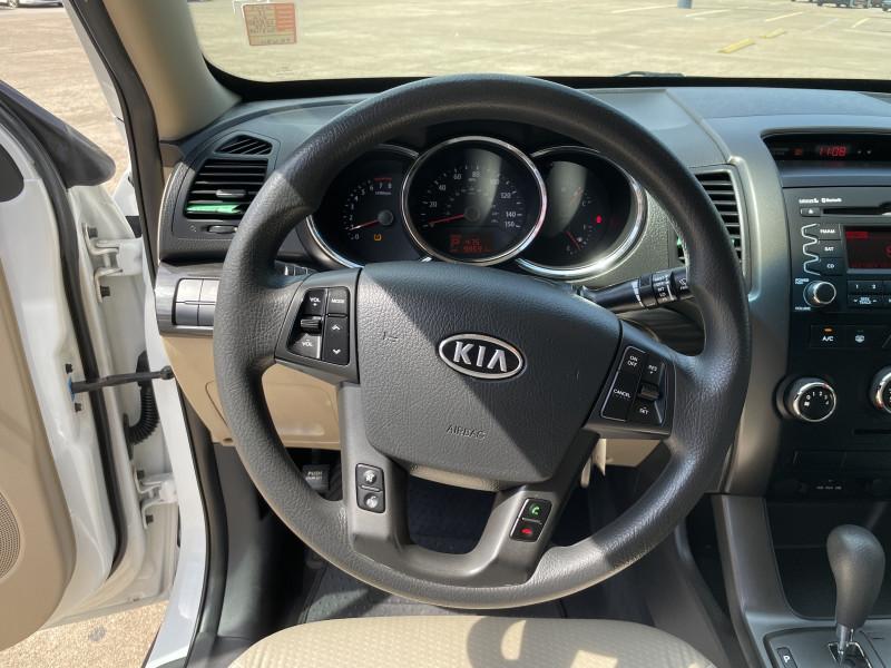 Kia Sorento 2013 price $1,600