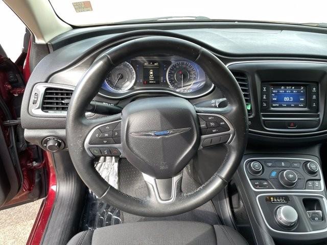 Chrysler 200 2016 price $1,900