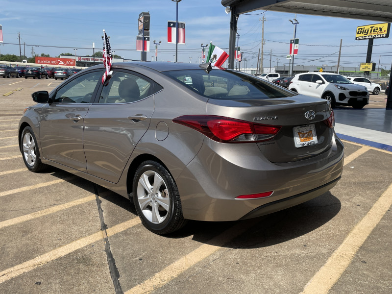 Hyundai Elantra 2016 price $1,900
