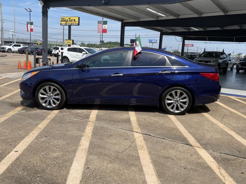 Hyundai Sonata 2012 price $17,395