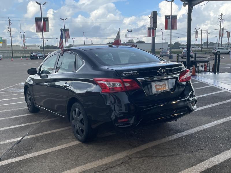 Nissan Sentra 2017 price $1,900