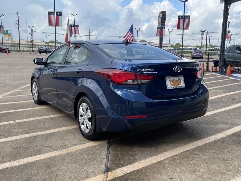 Hyundai Elantra 2016 price $1,700