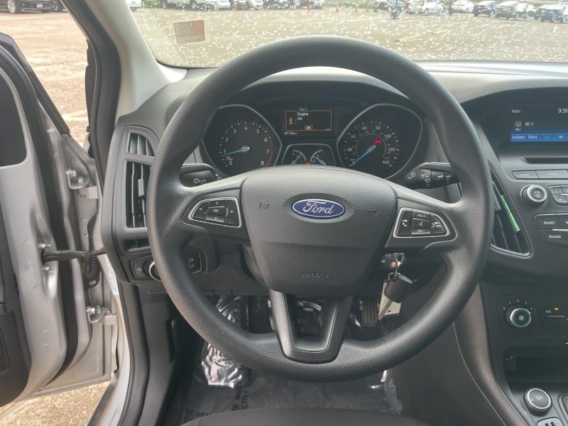 Ford Focus 2017 price $1,600