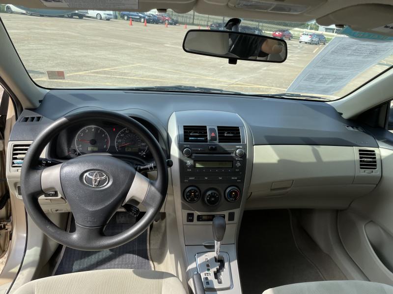 Toyota Corolla 2011 price $1,600