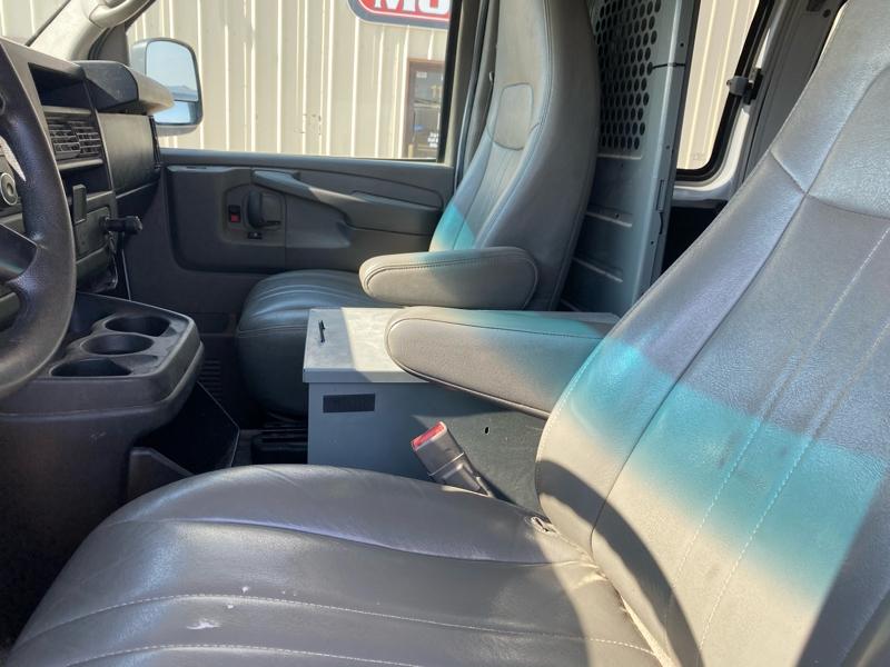 Chevrolet Express Cargo Van 2015 price $28,500