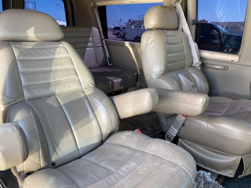 Chevrolet Express Passenger 2003 price $10,800