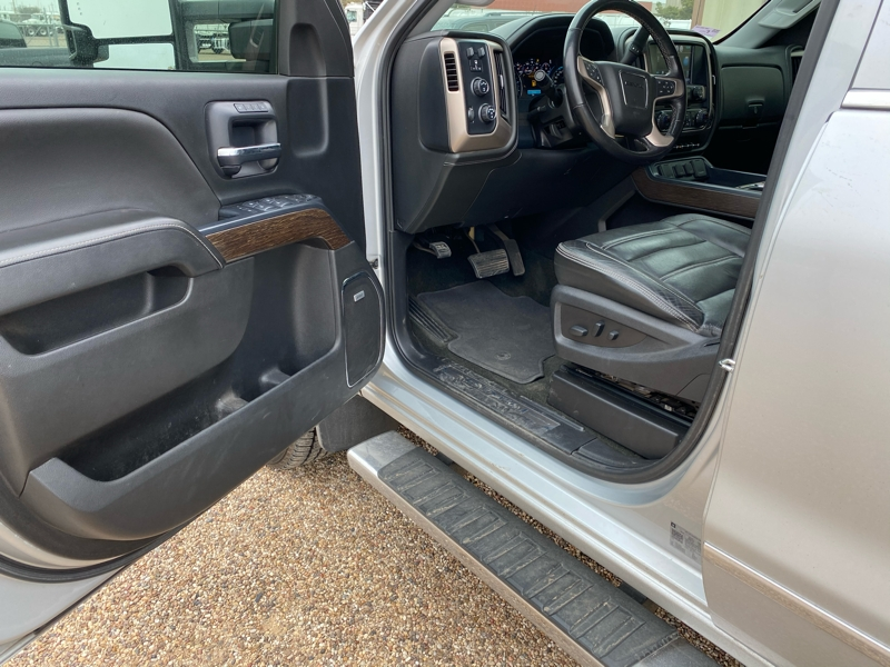 GMC Sierra 2500HD 2018 price $51,500