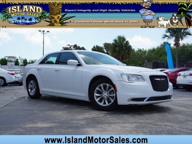 Chrysler 300 2015 price $11,411