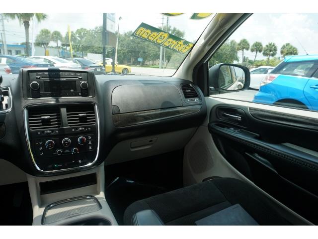 Dodge Grand Caravan 2016 price $11,965