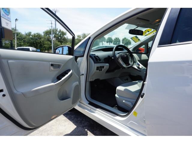 Toyota Prius 2013 price $9,484