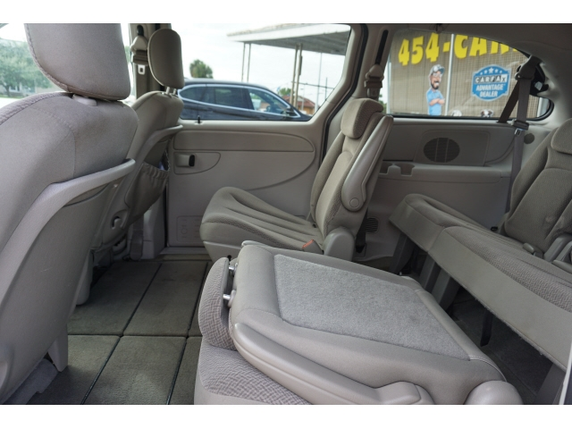 Chrysler Town & Country 2006 price $4,998