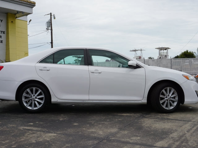 Toyota Camry 2014 price $12,891