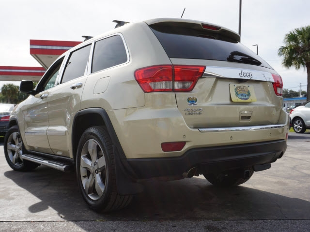 Jeep Grand Cherokee 2011 price $12,895