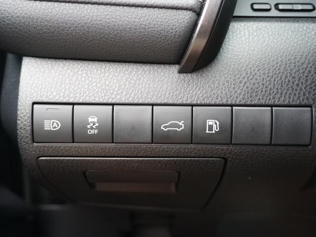 Toyota Camry 2018 price $18,989