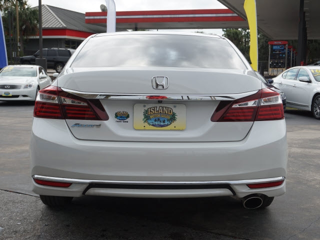 Honda Accord 2017 price $15,638