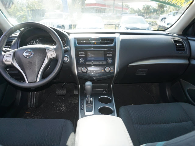 Nissan Altima 2015 price $16,977