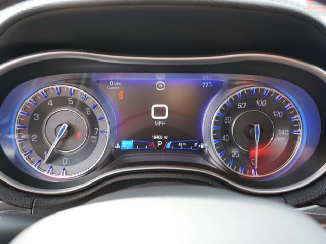 Chrysler 300 2017 price $21,147