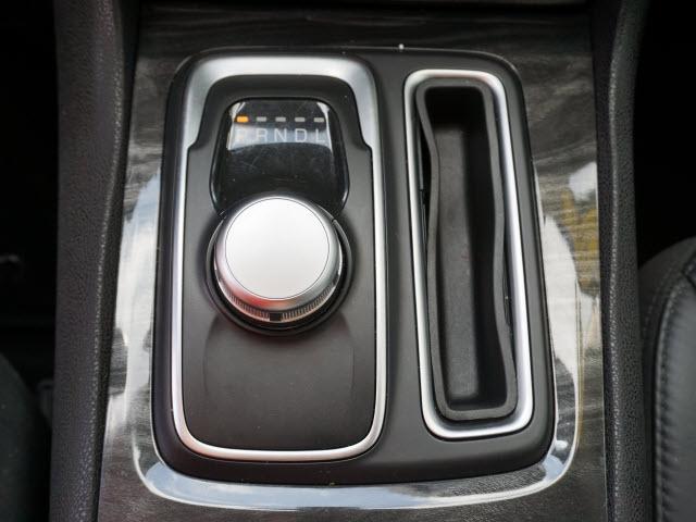 Chrysler 300 2017 price $21,596