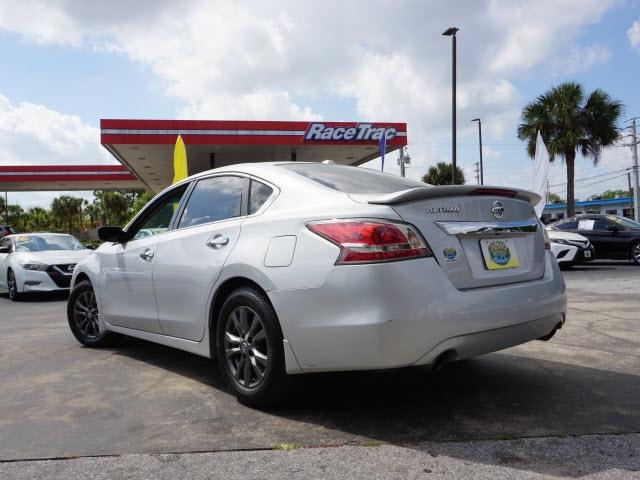 Nissan Altima 2015 price $11,224