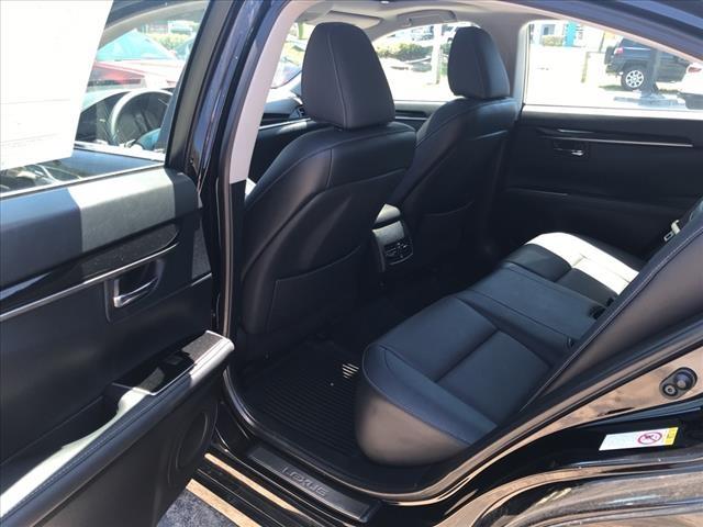 Lexus ES 350 2017 price $30,427