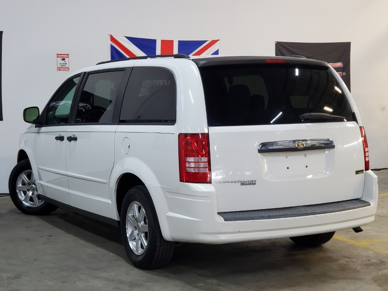 Chrysler Town & Country 2008 price $4,997