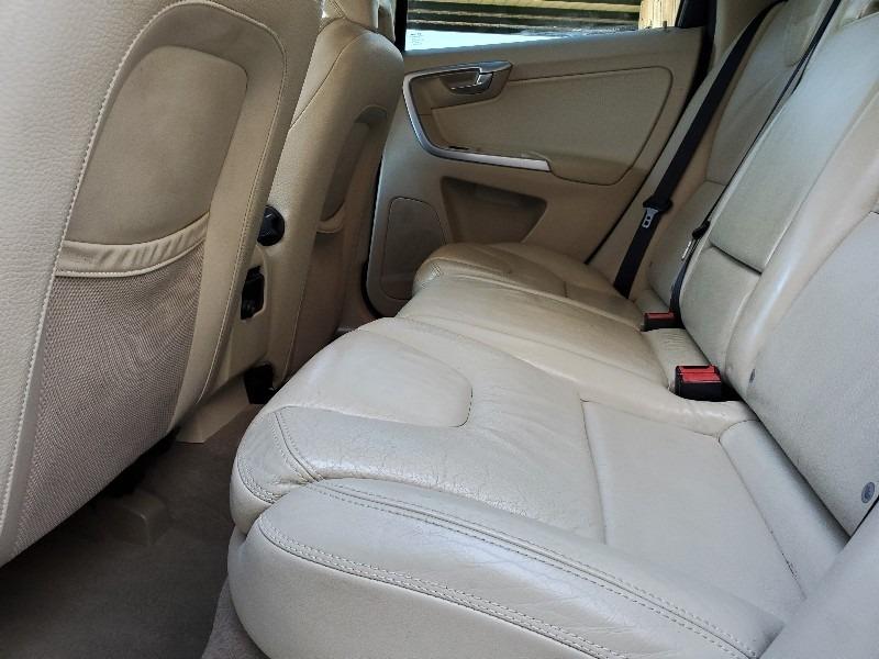 Volvo XC 60 2010 price $7,997