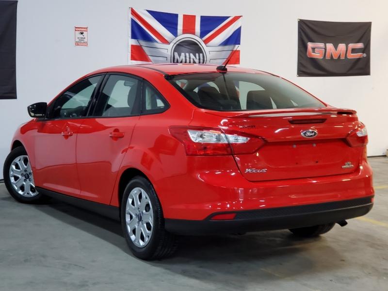 Ford Focus 2012 price $5,497