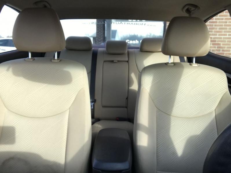 HYUNDAI ELANTRA 2013 price $7,895