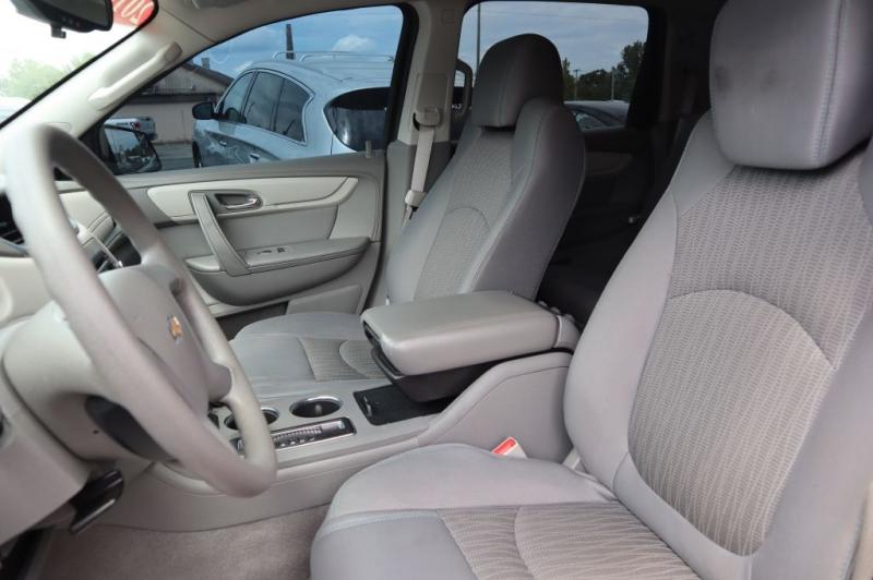CHEVROLET TRAVERSE 2014 price $13,495