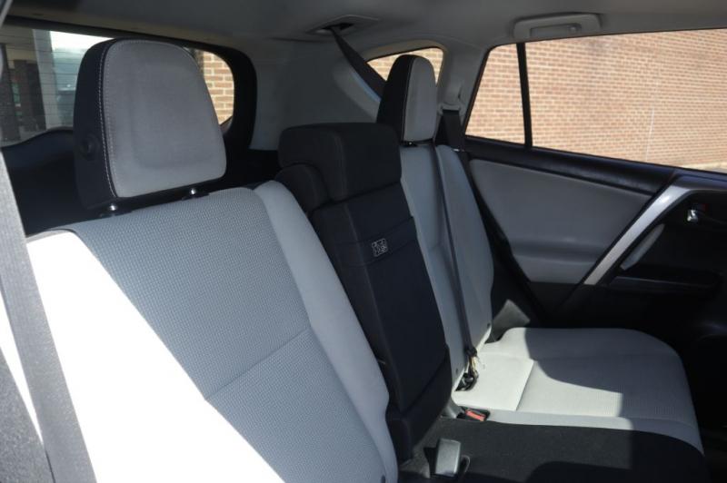 TOYOTA RAV4 HV 2018 price $17,395