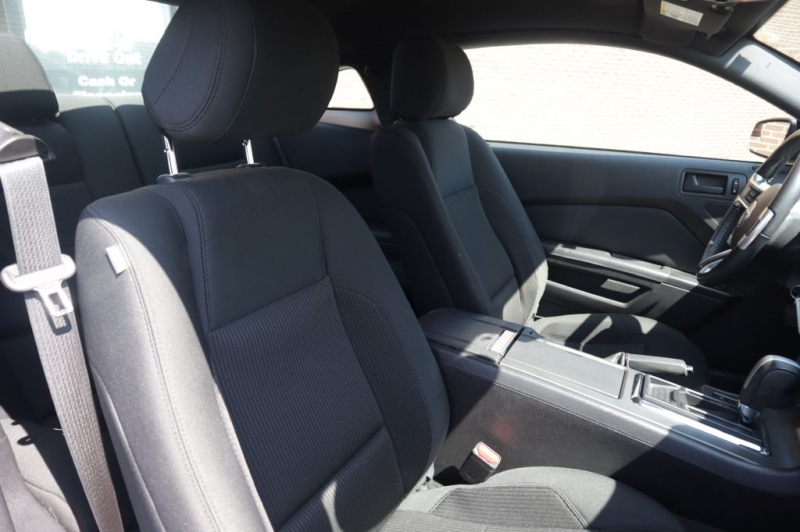 FORD MUSTANG 2014 price $18,995