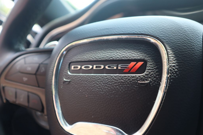 DODGE CHALLENGER 2015 price $18,195